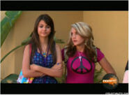 Jamie spears victoria justice zoeyhdi35