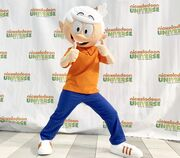 Lincoln at Nickelodeon Universe