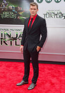 Movies-tmnt-premiere-alan-ritchson