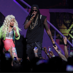 Nicki and 2 Chainz performing