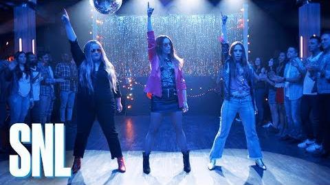 Cut for Time- Friendship Song. Nicki Minaj) - SNL