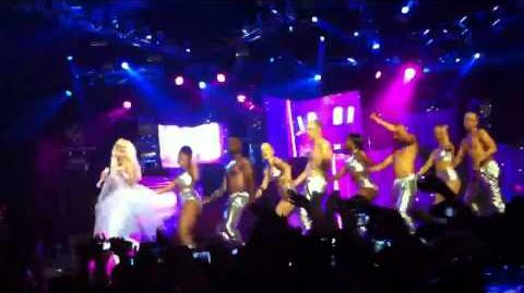 Nicki Minaj - POUND THE ALARM @ HORDERN PAVILION