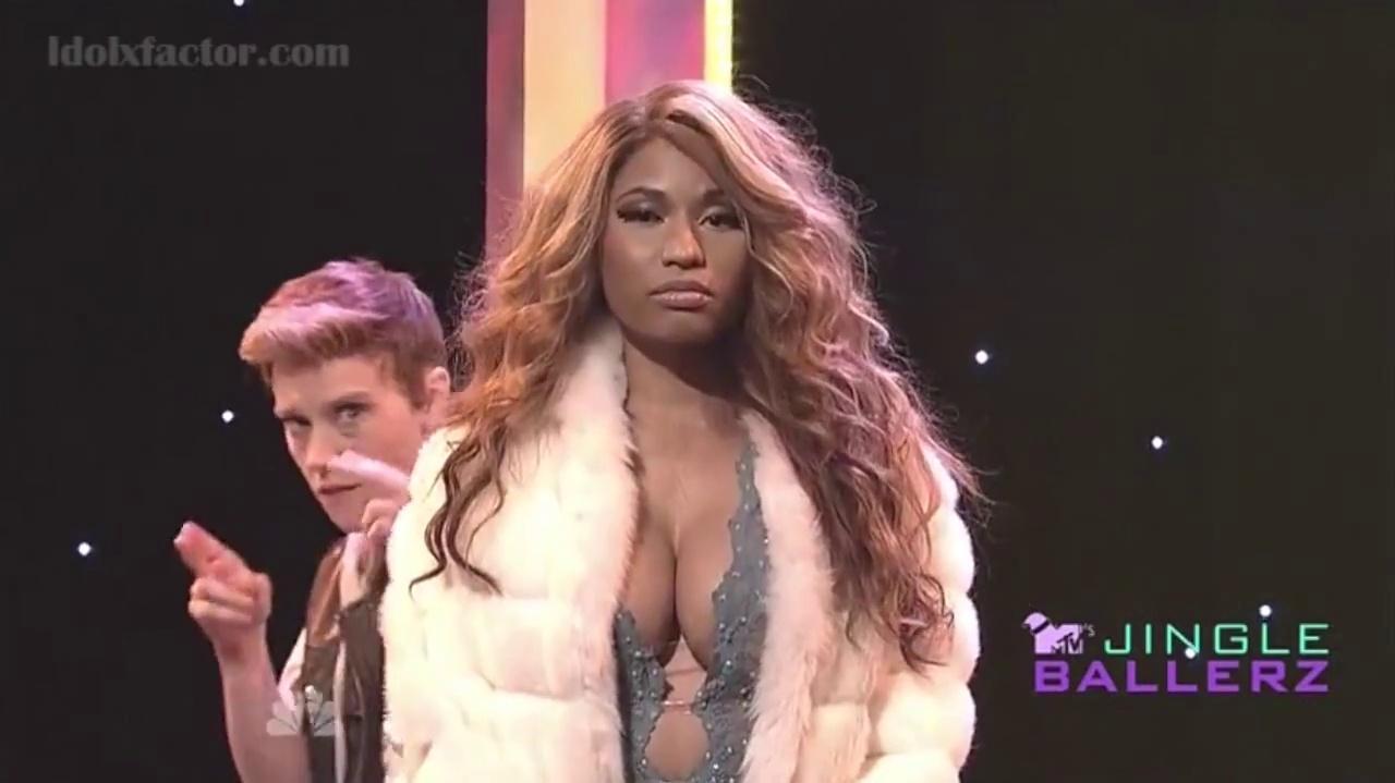 Nicki Minaj imite Beyoncé (SNL)