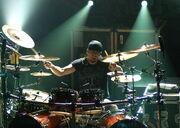 800px-Jukka-Nevalainen-drums