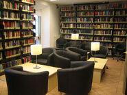 640px-AUR Library Study Room