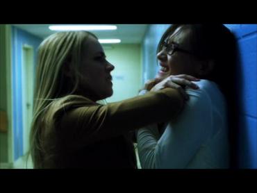 Naomi chokes Nikita