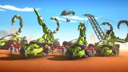 Машины змей в пустыне