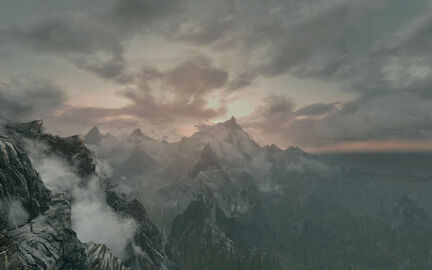 CloudsPeakMountains