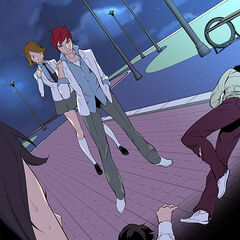 Shinwoo saving a girl from thugs.