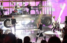 77266 story No Doubt performance at Teen Choice Awards 2012