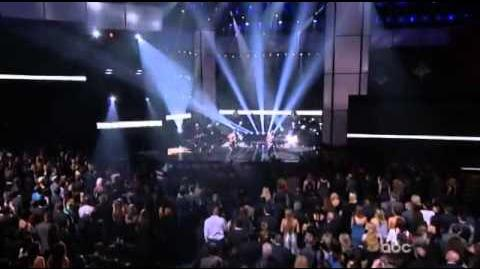 No Doubt - Looking Hot Live AMAS 2012