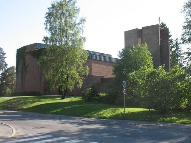 File:Lambertseter kirke.jpg