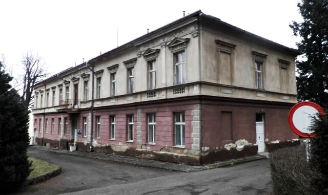 File:Wikia140426-MIS-f-alena-aubrechtova-lazne-letiny-id-329225.jpg
