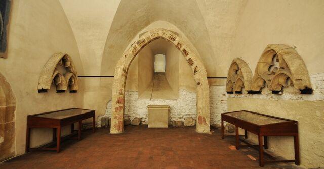File:Mm140321-cz-be-karlstejn-hrad-DSC 0096.jpg
