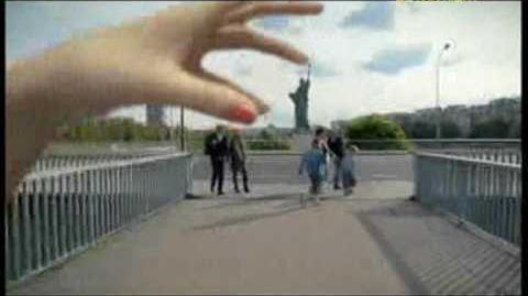 """Lily Allen - """" Fuck you ... very much """" - 2009 - Le clip ."""