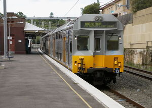 CityRail-Cset-C13-at-BardwellPark