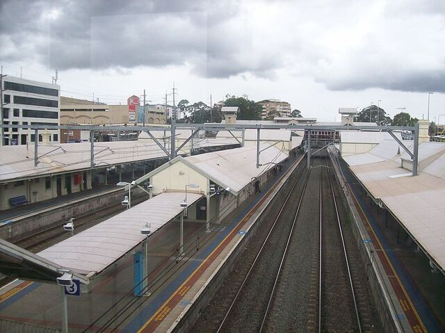 File:Hornsby railway station platforms from footbridge.jpg