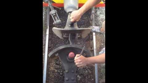 RailCarCoupler.L&Px~Vid4