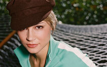Samaire Armstrong 004 1920x1200