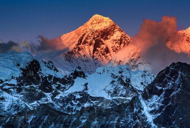 File:Everest2.jpg