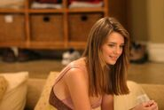Marissa-Cooper-The-O-C-tv-female-characters-14556320-524-350
