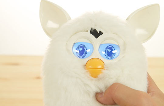 File:White-furby-hot-toys-review-images.jpg