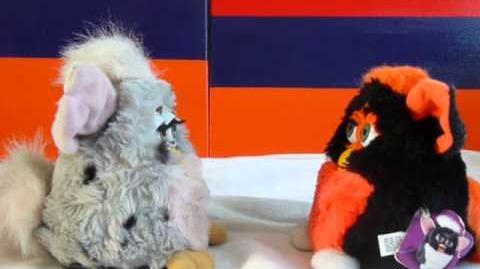 Furby Toh-loo German - Furby Dah-noh-lah French