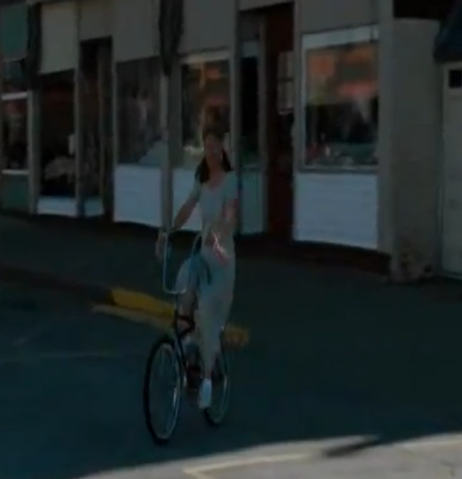 File:Woman On The Bike.png