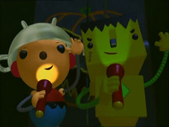 Halloween costumes Olie Polie and Billy Bevel