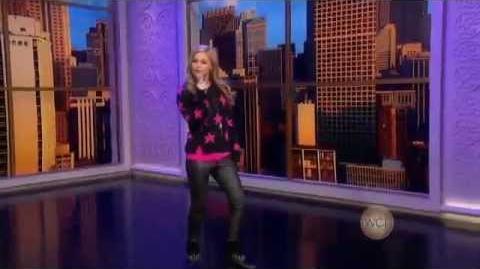 "Olivia Holt - Performing ""Had Me At Hello"" on WCL (November 16, 2012)"
