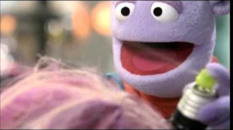 """Olivia Holt pranked by Crash from """"Crash & Bernstein""""-0"""