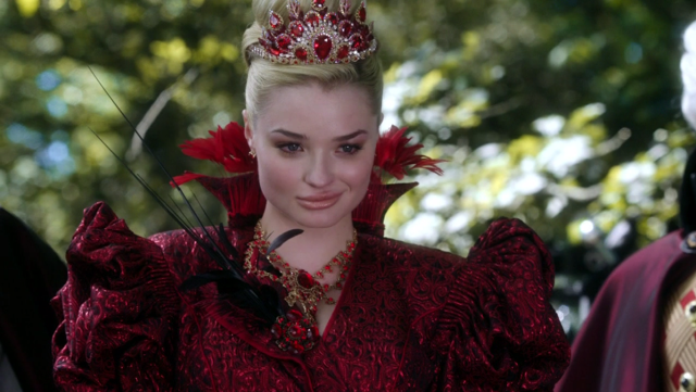 File:640px-W101RedQueen.png