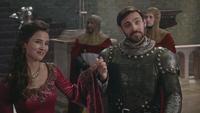 5x02 Reine Guenièvre Roi Arthur présentation sourires accueil Camelot