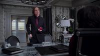 1x18 Mairie de Storybrooke Bureau Regina M. Gold alliance fausse accusation
