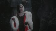 4x11 Cruella d'Enfer entrée en scène