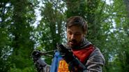 5x01 Roi Arthur examine examen Excalibur incomplète embout pointe manquante