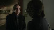 Shot 1x17 Gold Regina