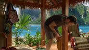 2x18 August Wayne Booth vue Phuket debout examen genou jambe pantin de bois