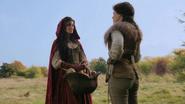 1x10 Scarlett chaperon rouge Blanche-Neige discussion panier pommes prairie