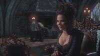 1x21 Méchante Reine Regina sourire amusement sacrifice souffrance