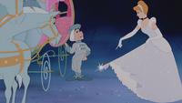 Cendrillon (Disney) 1950 cheval valet de pied découverte tenue robe pantoufles de verre mini
