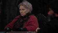 Mère Lucas siège conseil Méchante Reine réécrit 4x22