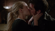 6x17 Emma Swan Killian Jones baiser secondes fiançailles