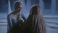4x02 Elsa Emma Swan prison grotte caverne de glace discussion pouvoirs magiques magie