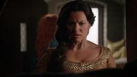 5x09 Reine Elinor recherche casque magique
