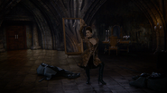 6x20 Méchante Reine Regina miroirs cadavres gardes noirs chanson Love Doesn't Stand a Chance pose
