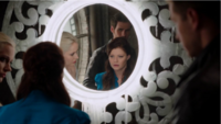 4x07 Elsa Belle French Killian Jones David Nolan miroir reflet découverte mensonge complot manipulation Reine des Glaces tour de l'horloge