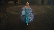 4x01 Elsa Reine des Neiges grange rituel voyage dans le temps