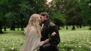 5x04 Emma Swan Killian Jones baiser champ de fleurs
