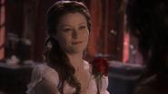 1x12 Belle rose sourire Rumplestiltskin